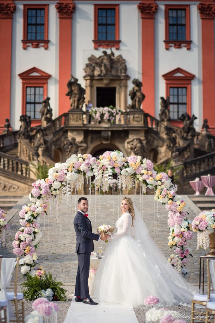 Wedding Flowers Decor Aa Wedding Agency Wedding In Czech