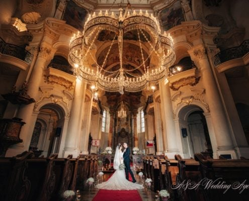 Wedding in St. Nicholas Church in Prague