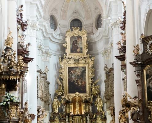 Catholic church wedding in Prague